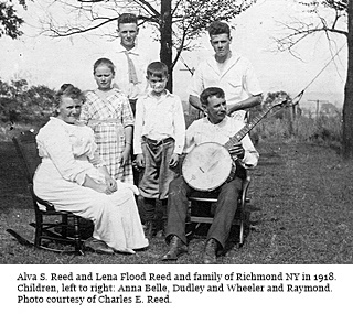 hcl_people_reed_alva_s_and_flood_lena_a_and_family_1918_resize320x240